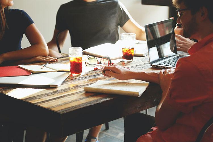 постоянные встречи и собрания
